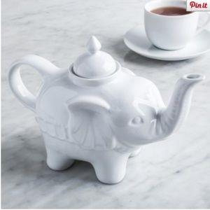 Other - ☀️White Ceramic Elephant Tea Pot